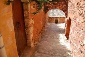Roussillon, Vaucluse, Photo by Margo Millure (www.margomillure.com)